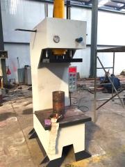 单臂液压机、油压机、压力机、小型液压机床、机械压力机